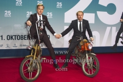 """25kmh"", Lars Eidinger und Bjarne Maedel, Roter Teppich zur Premiere, CineStar am Sony Center, Berlin, 25.10.2018 (Photo: Christian Behring)"