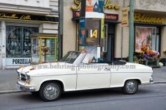 """""""KUDAMM 59"""", OPEL Rekord und Brgwart Cabrio vor der Tanzschule, Set-Termin, Motiv """"Tanzschule"""", Richard-Wagner-Strasse 30, 10585 Berlin, 25.08.2017"""