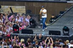"""Mario Barth eroeffnet das Konzert von Andreas Gabalier, """"Andreas GABALIER"""", Konzert im Rahmen der """"Stadion Tour 2019"""" in der Waldbuehne, Berlin, 08.06.2019"""