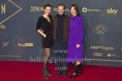 """Bettina Lamprecht, Matthias Matschke, Theresa Kronthaler, """"BABYLON BERLIN 3"""", Roter Teppich zur Weltpemiere, Zoo Palast, Berlin, 16.12.2019"""