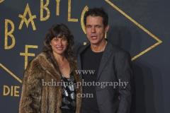 """Marie Steinmann und Tom Tykwer""""BABYLON BERLIN 3"""", Roter Teppich zur Weltpemiere, Zoo Palast, Berlin, 16.12.2019"""
