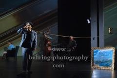 """Taner Sahintürk,Live-Musik: Lukas Froehlich, Peer Neumann, Natalie Ploeger, Lizzy Scharnofske, """"Berlin Oranienplatz"""", Fotoprobe im Maxim Gorki Theater, Berlin, am 26.08.2020, Premiere: 28.08.2020"""