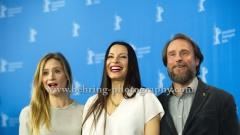 "Anne Zohra Berrached (Regisseurin, Autorin/ Director, Writer), Julia Jentsch (Schauspielerin/ Actress), Bjarne Maedel (Schauspieler/ Actor), attends the ""24 WOCHEN"" - photo call at the 66th Berlinale, Berlin 14.02.16 (Photo: Christian Behring, www.christian-behring.com)"