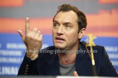 """Jude Law (Schauspieler/ Actor), attends the """"GENIUS """" - press conference at the 66th Berlinale, Berlin 16.02.16(Photo: Christian Behring, www.christian-behring.com)"""