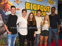"""BIGFOOT JUNIOR"" (Kinostart: 17.08.2017), Nickelodeon SPOTLIGHT-Cast: Dennis Oertel, Lea Mirzanli, Luana Knoell, Moritz Baeckerling, Lisa Kueppers, Ben Rummler, Premiere im Kino in der Kulturbrauerei, Berlin, Germany, am 06.08.2017 [Photo: Christian Behring]"