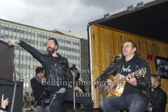 """The BossHoss"", Konzert, SECRET Guerilla Aktion, Alexanderstrasse vor dem ParkIn Hotel, Berlin, 27.10.2018 (Photo: Christian Behring)"