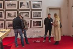 """Olaf HEINE (Fotograf), In der """"Chaussee 36"""" werden die Ausstellungen """"Erwin Blumenfeld - Chasing Dreams"""", """"Olaf Heine - Saudade"""" und """"Walls Come Tumbling Down"""" am 10. Oktober im Rahmen der """"BERLINPHOTOWEEK"""" eröffnet, Presserundgang in der Chaussee 36, Berlin, 10.10.2019 (Photo: Christian Behring)"""