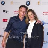 """""""DEUTSCHER FILMPREIS 2018 NOMINIERTENABEND"""", Marie Baeumer (3 TAGE IN QUIBERON) und Oliver Masucci (HERRLICHE ZEITEN), Roter Teppich im BMW Haus, Berlin, 07.04.2018"""