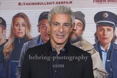 """Gedeon Burkhard, """"FAKING BULLSHIT"""", Photo Call am Roter Teppich vor dem Cinemaxx am Potsdamer Platz, Berlin, 09.09.2020,"""
