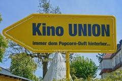 "Seebad Friedrichshagen in Koepenick, Hinweisschild zum Kino Union,  ""STADTANSICHTEN"", Müggelseedamm 216, Berlin, 08.05.2020"
