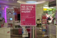 """Telekom Shop geschlossen, """"GESCHLOSSENE GESELLSCHAFT"""", Ring Center, Berlin, 18.03.2020"""