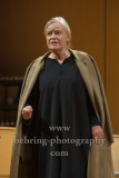 "Josefin Platt, ""GOTT"", Berliner Ensemble, Berlin, Deutsche Urauffuehrung am 10.09.2020 (Photo: Christian Behring)"