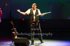 "Ian Anderson (Gesang, Floete), ""Ian Anderson presents JETHRO TULL"", ""50th Anniversary Tour"", Konzert im Theater Am Potsdamer Platz, Berlin, 23.11.2019"