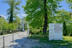 "Zugang zur Schlossinsel mit Schlosspark, Kunstgewerbemuseum im Schloss Koepenick und Schlosskirche, ""STADTANSICHTEN"", Berlin, 06.05.2020"