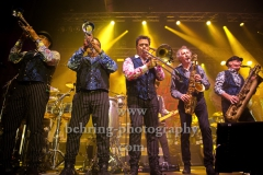 "Eddie Manion - Horn Director, Baritone Sax, Stan Harrison - Tenor Sax, Alto Sax, Clark Gayton - Trombone, Ravi Best - Trumpet, Ron Tooley - Trumpet, ""LITTLE STEVEN AND THE DISCIPLES OF SOUL"" auf ""Summer of Sorcery""-Tour, Konzert in Huxleys Neue Welt, Berlin, 28.05.2019"