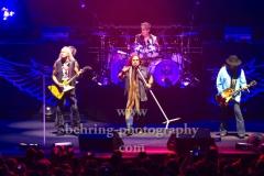 "Rickey Medlocke (Gitarre),  Johnny Van Zant (Lead-Vocal), Michael Cartellone (Schlagzeug), Gary Rossington (Gitarre, Bandleader), ""LYNYRD SKYNYRD"", ""Farewell Tour Germany"", Konzert in der Max-Schmeling-Halle, Berlin, 18.06.2019"