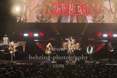 "Johnny Van Zant (Lead-Vocal), Johnny Colt (Bass), Gary Rossington (Gitarre, Bandleader), Mark Matejka (Gitarre), Michael Cartellone (Schlagzeug), Rickey Medlocke (Gitarre), Peter Keys (Keys),  ""LYNYRD SKYNYRD"", ""Farewell Tour Germany"", Konzert in der Max-Schmeling-Halle, Berlin, 18.06.2019"