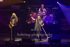 "Rickey Medlocke (Gitarre), Johnny Van Zant (Lead-Vocal), Michael Cartellone (Schlagzeug), ""LYNYRD SKYNYRD"", ""Farewell Tour Germany"", Konzert in der Max-Schmeling-Halle, Berlin, 18.06.2019"