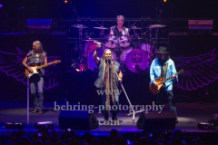 "Johnny Colt (Bass), Johnny Van Zant (Lead-Vocal), Michael Cartellone (Schlagzeug), Gary Rossington (Gitarre, Bandleader), ""LYNYRD SKYNYRD"", ""Farewell Tour Germany"", Konzert in der Max-Schmeling-Halle, Berlin, 18.06.2019"