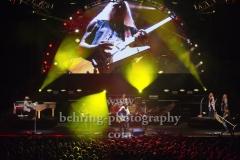 "Johnny Van Zant (Lead-Vocal), Johnny Colt (Bass), Gary Rossington (Gitarre, Bandleader), Mark Matejka (Gitarre), Michael Cartellone (Schlagzeug), Rickey Medlocke (Gitarre), Dale Krantz Rossington (Vocals), Carol Chase (Vocal), Peter Keys (Keys),  ""LYNYRD SKYNYRD"", ""Farewell Tour Germany"", Konzert in der Max-Schmeling-Halle, Berlin, 18.06.2019"