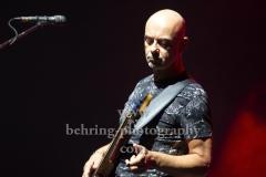 """MANFRED MANNS EARTH BAND"", Steve Kinch (bg), Konzert, Verti Music Hall, Berlin, 22.10.2018 (Photo: Christian Behring)"