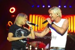 """""""Matthias REIM"""", Matthias Reim und Michelle singen gemeinsam ihren Single-Hit """"nicht verdient"""", Konzert in der Mercedes-Benz Arena, Berlin, 29.12.2018,"""