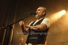 "Colin Hay (Saenger, Gitarrist, letztes Originalmitglied), ""MEN AT WORK"", Konzert, Columbia Theater, Berlin, 04.07.2019"