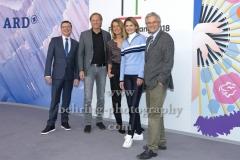 """""""OLYMPIA 2018"""", Photo call zm Olympia-Programm von ARD und ZDF, mit Volker Herres, Gerhard Delling, Jessy Wellmer, Katrin Mueller-Hohenstein, Dr. Peter Frey, Radisson Blu Hotel, Berlin, 12.12.2017,"""