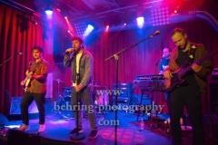 """Otto Normal"", Peter Stoecklin (Leadsaenger), Lukas Oberascher (Keyboards), Emanuel Teschke (Bass), Anthony Greminger (Schlagzeug), Sebastian Scheipers (Gitarre), ""Wieder Wir Tour"" (Record Release: 04.05.2018), Konzert im Privatclub, Berlin, 05.05.2018,"