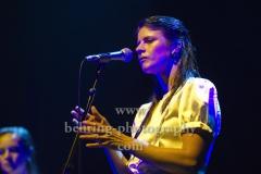 "Sophie-Rose Harper (Gesang), ""PARADISIA"", Konzert, Tempodrom, Berlin, 01.06.2019"