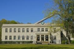 """Archenhold-Sternwarte mit grossem Refraktor auf dem Dach im Treptower Park, """"STADTANSICHTEN"""", Berlin, 23.04.2020"""