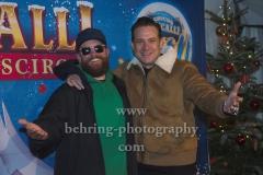 """MC Fitti und Sascha Vollmer von BossHoss, """"Roncalli Weihnachtscircus"""" (19.12.19 - 05.01.2020), Photocall am Roten Teppich zur Premiere, Tempodrom, Berlin, 19.12.2019"""