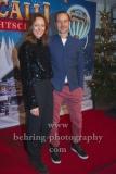 """Lavinia Wilson, Barnaby Metschurat, """"Roncalli Weihnachtscircus"""" (19.12.19 - 05.01.2020), Photocall am Roten Teppich zur Premiere, Tempodrom, Berlin, 19.12.2019"""
