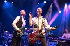 "Francis Rossi (Gesang, Gitarre, Bandleader), John 'Rhino' Edwards (Gesang, Bass, Gitarre), ""STATUS QUO"", Konzert, Tempodrom, Berlin, 03.06.2019"