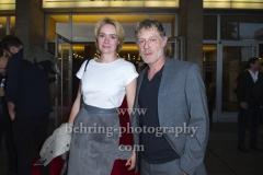 """""""STYX"""" (ab 13. September 2018 im Kino), Andres Lust und Ehefrau auf dem Roten Teppich, Premiere im Kino INTERNATIONAL, Berlin, 11.09.2018 (Photo: Christian Behring)"""