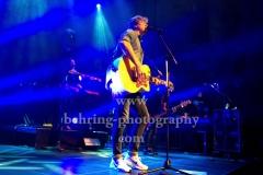 """Sunrise Avenue"", Samu Haber (Gesang, Gitarre), Raul Ruutu (Bass), Sami Osala (Schlagzeug), Riku Rajamaa (Lead-Gitarre), Osmo Ikone (Keyboard), ""Heartbreak Century""-Tour 2017, Konzert im Kesselhaus, Berlin, 06.11.2017,"