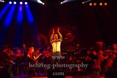 """""""SYMPHONIC ROCK IN CONCERT"""", die Neue Philharmonie Frankfurt, ergaenzt um ein versiertes Rock-Quartett und dreiGesangssolisten, Konzert, Verti Music Hall, Berlin, 04.11.2018 (Photo: Christian Behring)"""