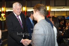 "Bundesinnenminister Horst Seehofer begruesst die Laudatoren und Preistraeger, ""XY-Preis 2019"", 18. Preisverleihung, ZDF-Hauptstadtstudio, Berlin, 20.11.2019"