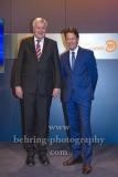 "Bundesinnenminister Horst Seehofer und Moderator Rudi Cerne,  ""XY-Preis 2019"", 18. Preisverleihung, ZDF-Hauptstadtstudio, Berlin, 20.11.2019"