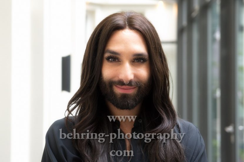 CONCHITA in Berlin, Photo Call im Hotel Am Steinplatz, am 24.10.2017