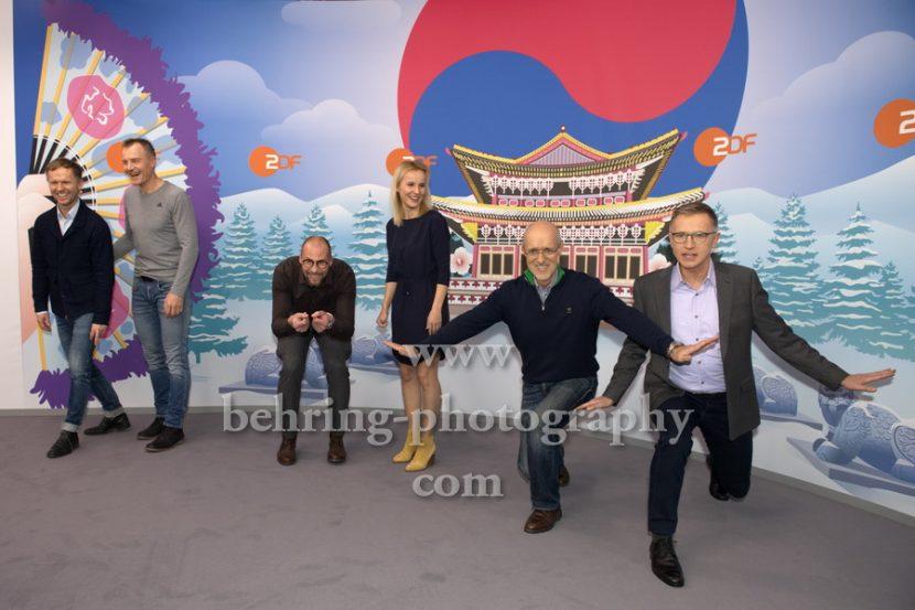 OLYMPIA 2018, Photo call zm Olympia-Programm von ARD und ZDF, ZDF-Team mit Marco Buechel, Sven Fischer, Toni Innauer, Katja Streso, Alexander Ruda, Norbert Koenig, Radisson Blu Hotel, Berlin, 12.12.2017,