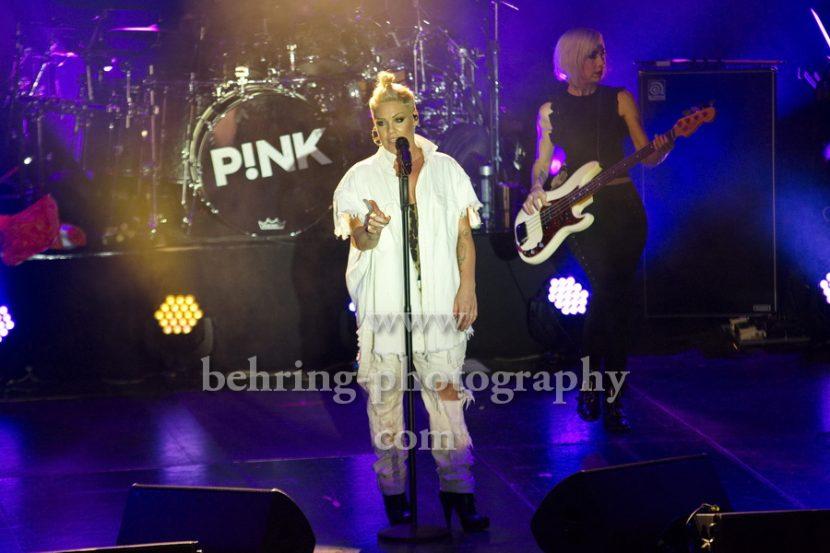"""PINK, """"PRO7 in Concert - ProSieben holte P!NK für ein exklusives Konzert nach Deutschland"""", Konzert in der Columbia Halle, Berlin, 09.12.2017 (Photo: Christian Behring)"""