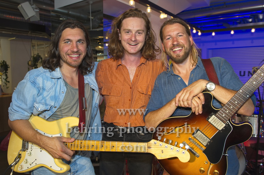 "Sam Teskey (guitar, vocals), Liam Gough (drums), Josh Teskey (vocals, guitar), ""The TESKEY BROTHERS"", Showcase, Promotiontermin bei Universal Music, Berlin, 11.07.2019"