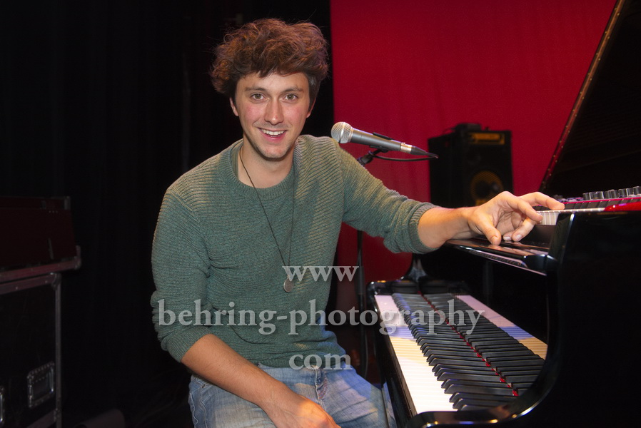 Luca SESTAK beim Photo Call vor dem Konzert im Heimathafen Neukoelln, Berlin, 05.10.2019