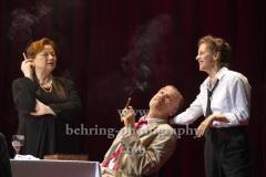 "Peter Kremer (Thomas Mann), Imogen Kogge (Katia Mann / Therese Giehse), Judith Rosmair (Erika Mann ),  ""Amazing Family"", Renaissance-Theater, Berlin, Fotoprobe am 24.06.2021 (Premiere am 27.06.2021),"