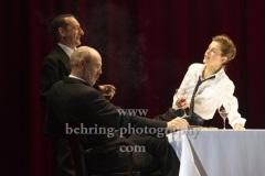 "Peter Kremer (Thomas Mann), Imogen Kogge (Katia Mann / Therese Giehse), Boris Aljinović (Klaus Mann), ""Amazing Family"", Renaissance-Theater, Berlin, Fotoprobe am 24.06.2021 (Premiere am 27.06.2021),"
