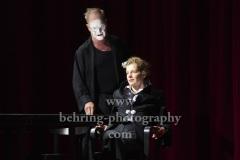 "Judith Rosmair (Erika Mann / Elisabeth Bergner), Guntbert Warns (Gustaf Gründgens - Hendrik Höfgen),  ""Amazing Family"", Renaissance-Theater, Berlin, Fotoprobe am 24.06.2021 (Premiere am 27.06.2021),"