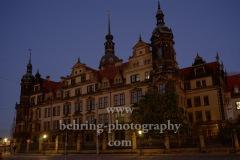 Residenzschloss (Wiederaufgebautes Schloss mit den Staatlichen Kunstsammlungen und berühmtem Innenhof mit Kuppeldach) an der Sophienstrasse, Dresden, 09.11.2020