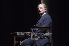 """Veit Schuber, """"GESPENSTER"""" von Henrik Ibsen, Fotoprobe am 6.10. im Berliner Ensemble, Berlin, Premiere am 08.10.2020"""