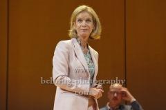 """Judith Engel,  """"GOTT"""", Berliner Ensemble, Berlin, Deutsche Urauffuehrung am 10.09.2020 (Photo: Christian Behring)"""